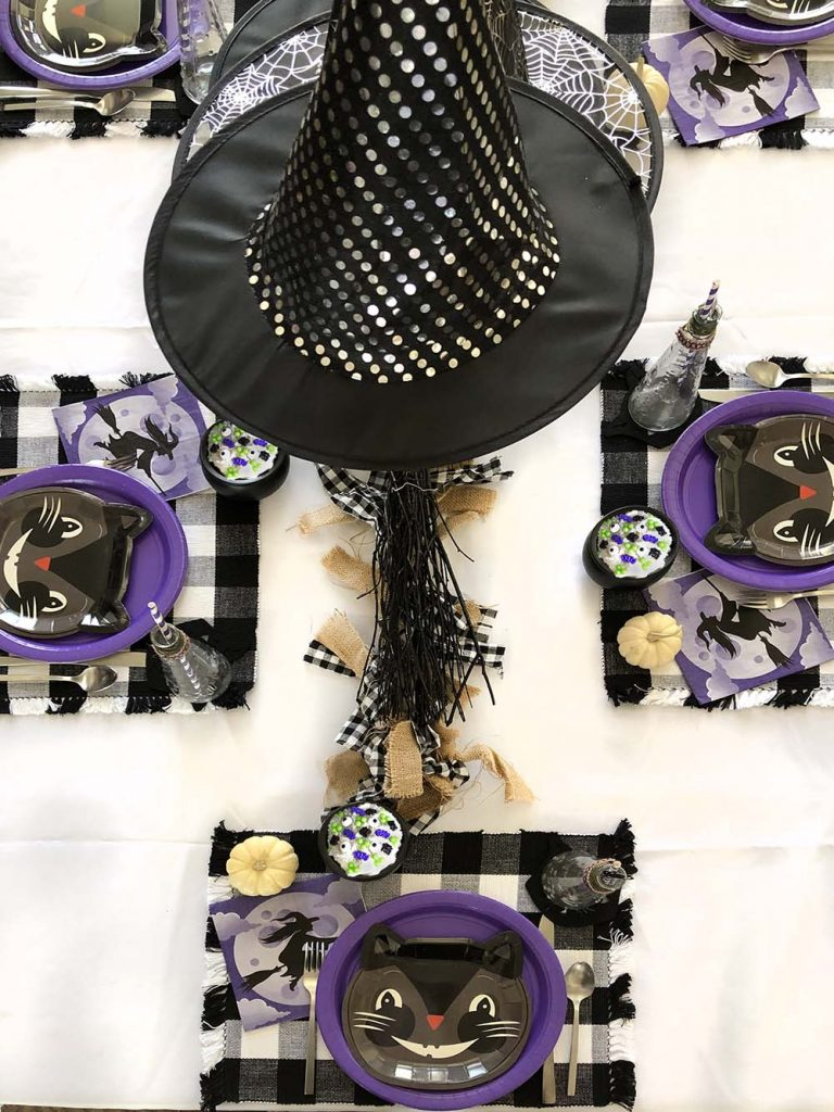 Black cat Halloween party table